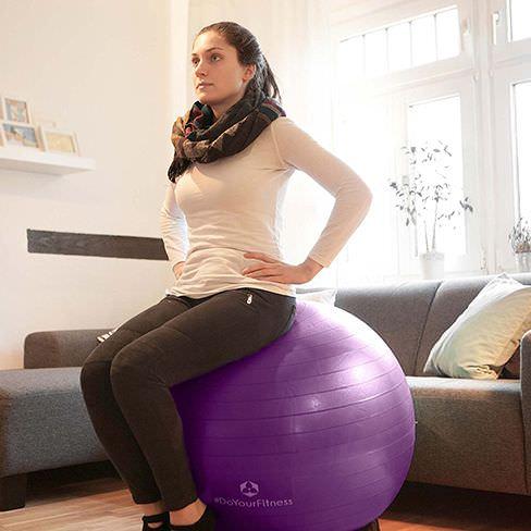 La position à adopter sur le ballon de fitness